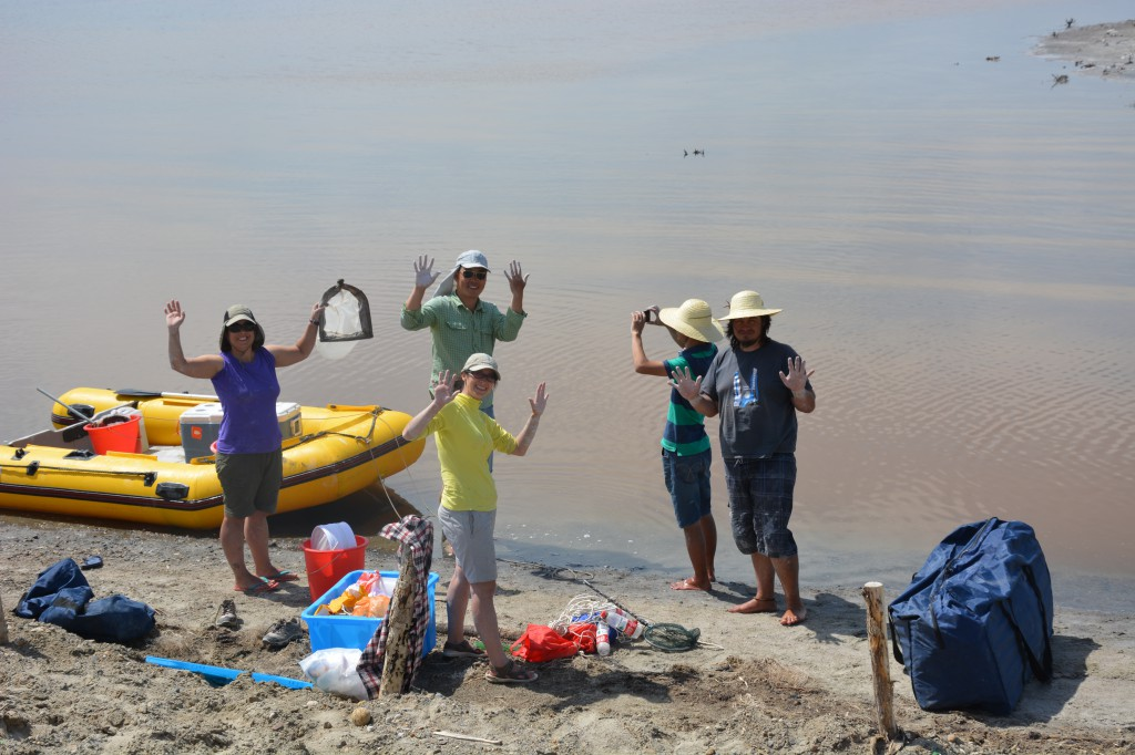 An international team (from Denmark, China, Uruguay and Turkey)  sampling saline lakes in NW China near Lake Ulungur